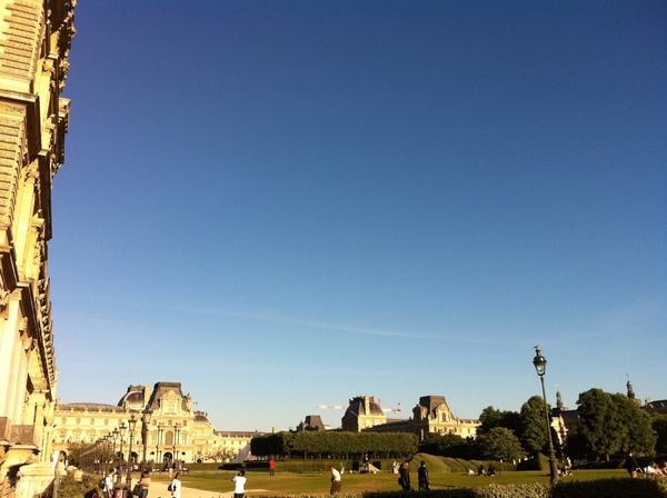 Hello Paris #2 #louvre #eg8