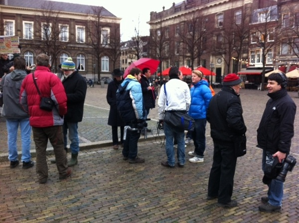Leuk te zien hoe #media ook verbroederd #fuckweapons #occupyNL #onl #pownews
