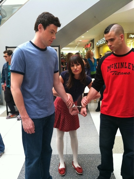 Masa and Como finally got arrested at the mall for posing as highschoolers @frankenteen and @Mark_Salling