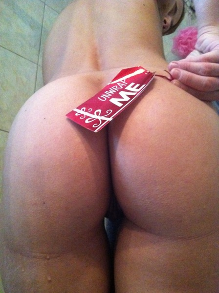 Damn @HotGreekWifey that's a gift that keeps on given what a @PhatApples @PhatapplesDaily #happyholidays