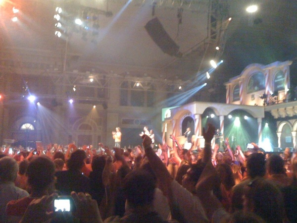 Huldiging ebkeeeee legend!! #hhh2012 #goud 