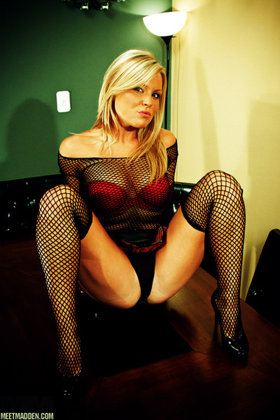 #ThongsThursday #Stockings #Fishnet #Shoe