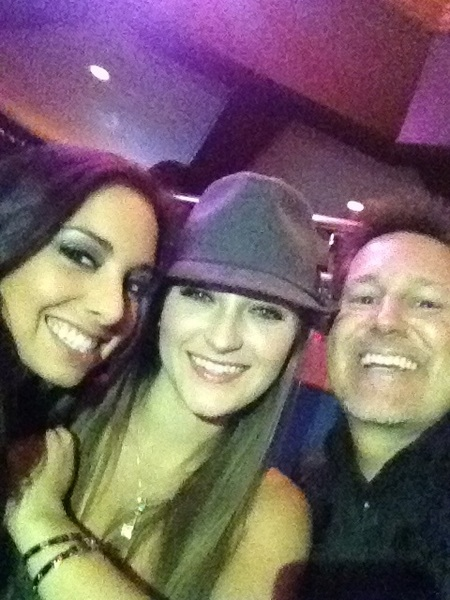 Hanging at PSK with @missdanidaniels @trinitystclair 