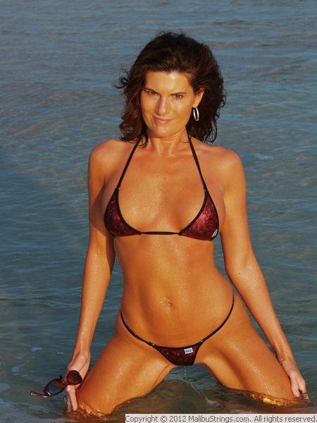 Customer string contest bikini