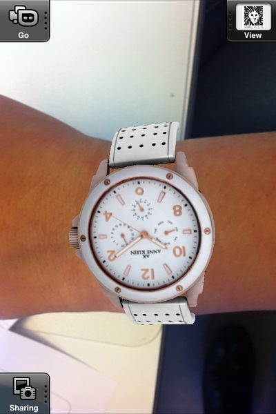 I gave our intern Samira Beekhof a new watch from @TABworldmedia ;-) #AR
