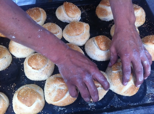 Puebla artisanal Pan Coty: cemitas buns seconds out of oven