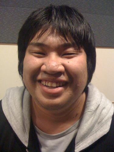 @MACCOI_SAITO とにかくコイツのすべてが腹が立つ機嫌がいい日...  マッコイ斉藤