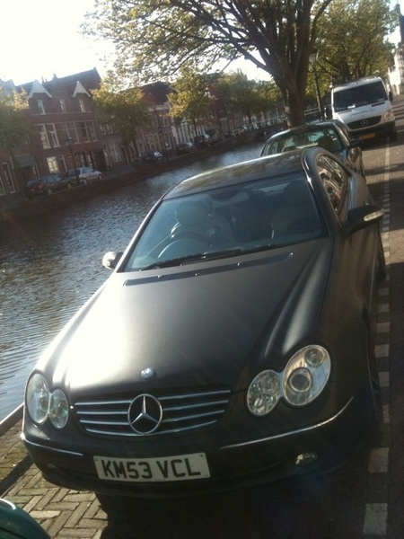Gaaf, een matzwarte Benz. Te weinig mensen durvendat. #carspot (speciaal voor @skyhighalist)
