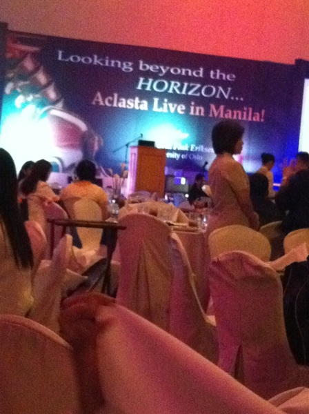 Wow! Ms Pilita corrales is hosting. #nanaynimonching #aclasta #crownplaza