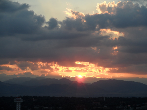 Daylight Quickly Fades Over The Rockies Near #Denver..