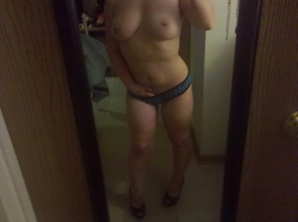 Babe dildo stocking