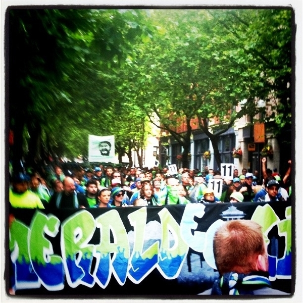 March to the match! @WeAreECS giving a cheer for @stevezakuani11 as they go by... #ScarvesUP #EBFG