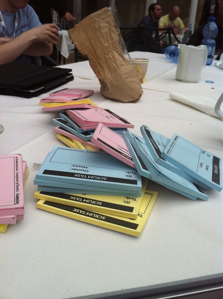 Scrum post-its and waffles for free on the big table outside! Come take them! #phpday