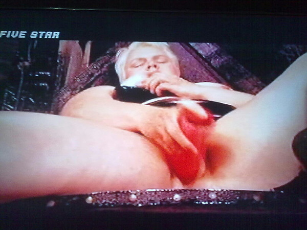 Milf inserting a dildo in her pussy...have look..I'm watching porn in #DBfivestarchannel