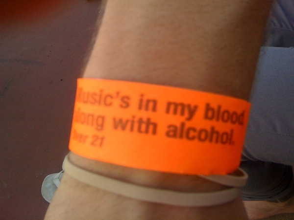 Love the wrist bands at #MAHA2010!