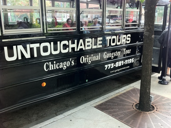 In de bus voor de #untouchables tour #chicago