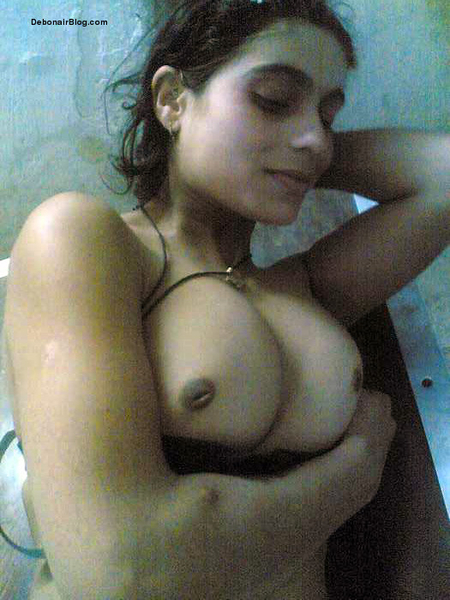 Hot Nude Indian Girls Boobs