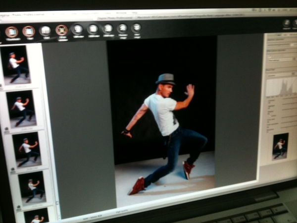 Ook @borisschreurs staat erop! #fotoshoot #bodylanguage 