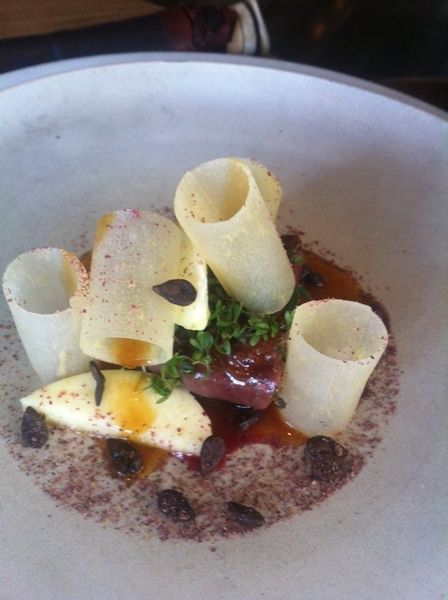 Noma standout#4: wild duck raw &amp; butter-compressed apples, sl seaweed powder. 