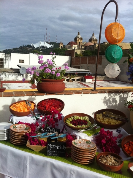 La Olla: spectacular bfast on terrace Looking out on Santo Domingo church