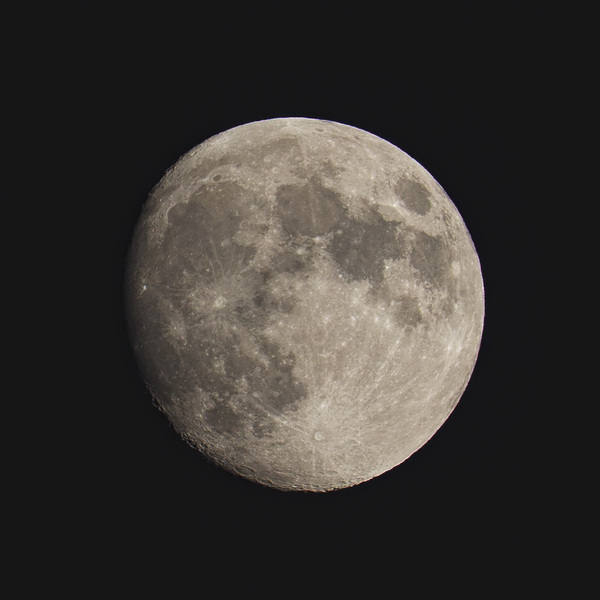 DSLR Luna 94.8% Waxing #moonwatch #bbcskyatnight