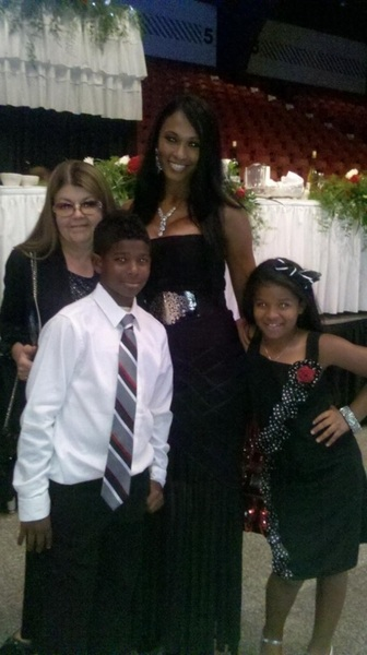 Me, Mom #Shedeur and #Shelomi at the  #HOF dinner