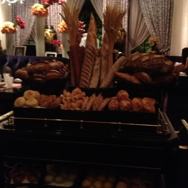 @robmalexander Yo, check out this bread trolley, you dig it the most: 