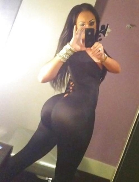 Big ol #booty in a #lycra suit
