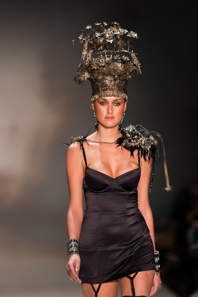 The black Hunkemoller garter slip with 1 shoulder epaulet #AIFW