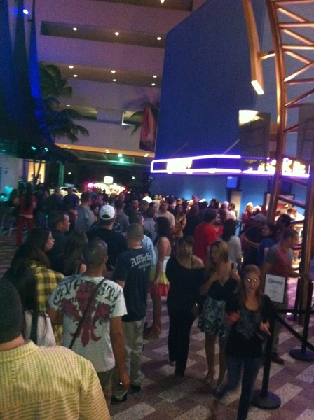 Line outside  @joerogan 9:45 pm showing...craziness!!
