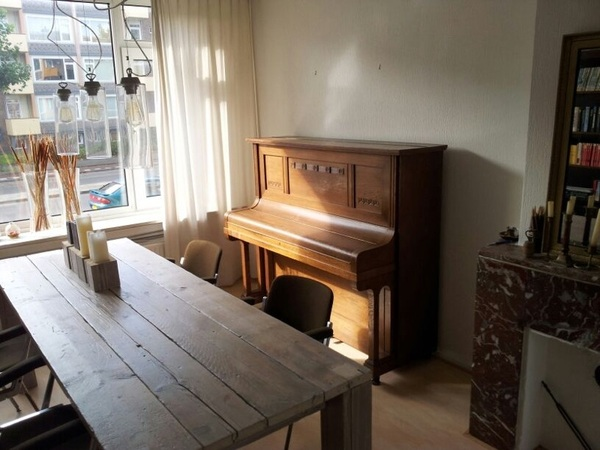 Just moved my piano to its new home. I think the piano just fits great in its new environment. #antiquepiano