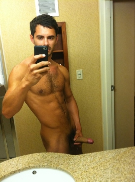 #WhiteBoy Look'n Good!  RT @Manu18halfvamp RT @latinbitchxxx: #TEAMBIGDICK http://twitpic.com/5vdcag